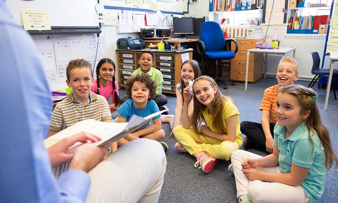 ¿Cómo beneficia a los profesores la utilización del método TET para enseñar inglés